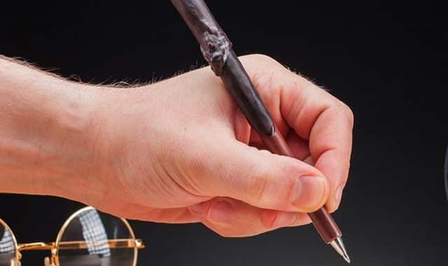 31 Amenez une touche de magie à vos écrits du Bac avec la baguette d'Harry Potter ou d'Hermione Granger