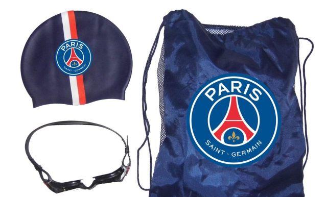 7 Tu peux même être aux couleurs de ton club de cœur à la piscine avec ce set complet sac, bonnet de bain et lunettes de piscine