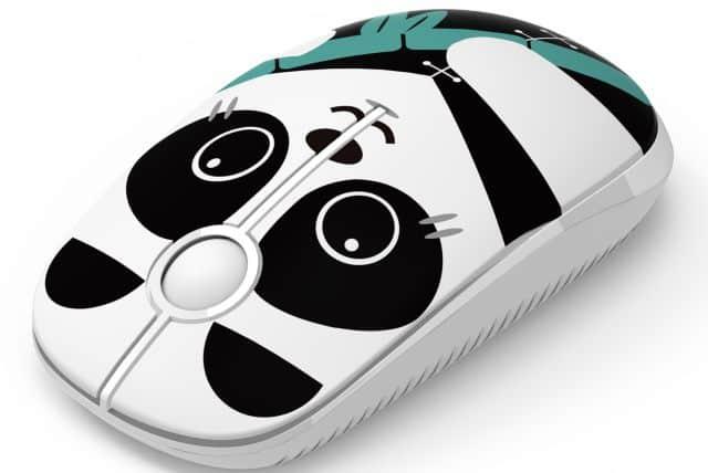 7 Vous êtes souvent sur un ordinateur, faites vous offrir cette superbe souris panda. Vous allez faire des jaloux