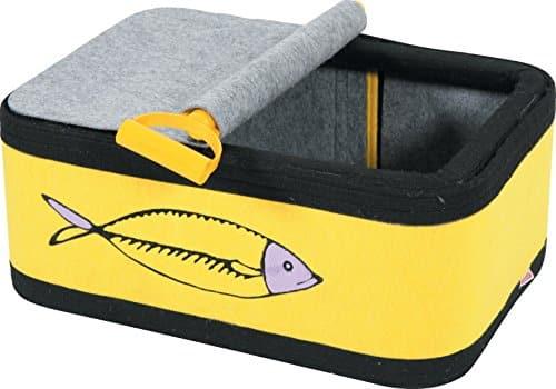 8 Un panier à chat en forme de boite à sardines jaune et noir. Il va adore se coucher dedans