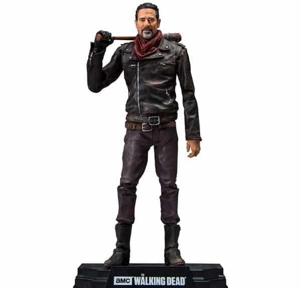 9 La figurine officielle de Negan avec sa batte de Baseball prêt à taper sur des zombies