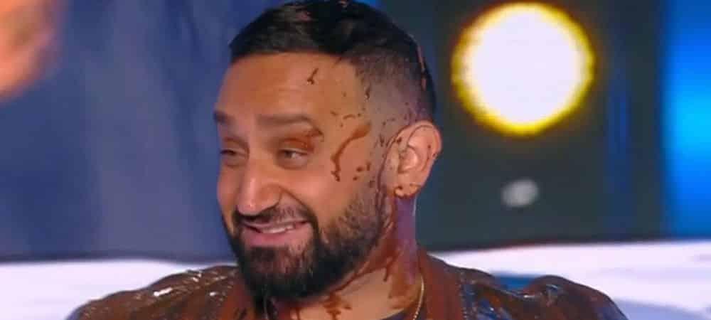 TPMP Benjamin Castaldi se venge de Cyril Hanouna et l'asperge de chocolat !