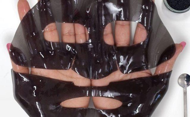 10 Offrez à la peau de votre copine une touche de luxe avec ce masque au caviar. Elle va adorer et sera surprise du résultat