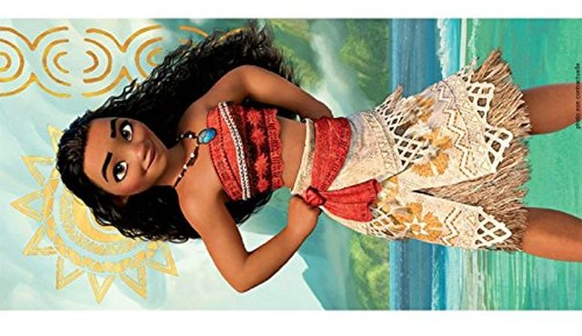 10 Vous connaissez un ou une fan de Vaiana, offrez lui ce modèle. Il ou elle sera fière de l'avoir cet été au bord de la piscine ou aussi à la plage