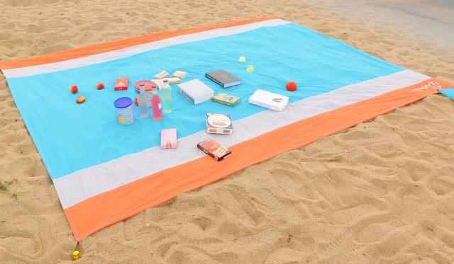 12 Vous en avez marre d'avoir du sable sur votre serviette à la plage On a trouvé la solution