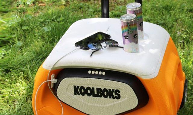 14 Cet été partez l'esprit tranquille et vivez d'amour, de bières très fraiches et aussi de musique avec votre glacière enceinte et lampe Koolboks