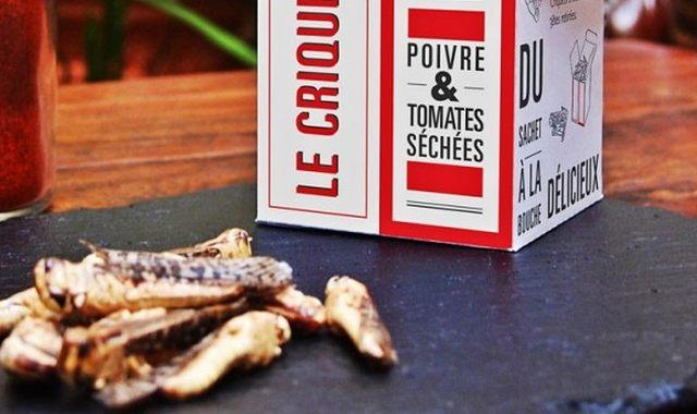 15 Offrez lui des insectes séchés et croustillants à déguster à l'apéro. Il va adorer ou pas