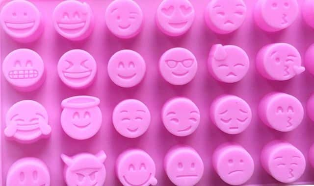 20 Rafraîchissez vos boissons avec des glaçons Emojis, c'est trop la classe à Dallas