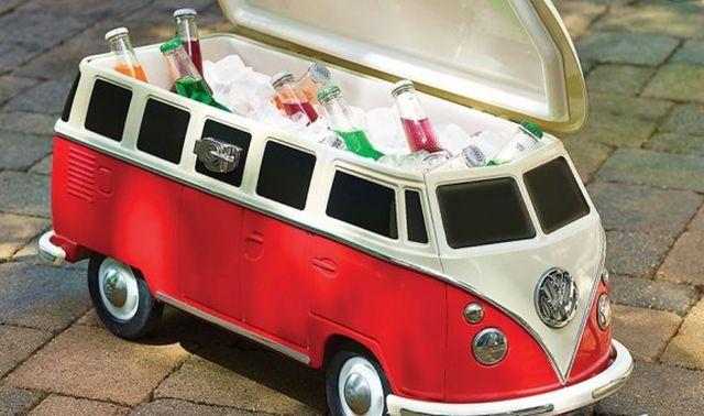 29 Il va devenir le roi de l'apéro entre potes avec cette glacière Camper Van VW