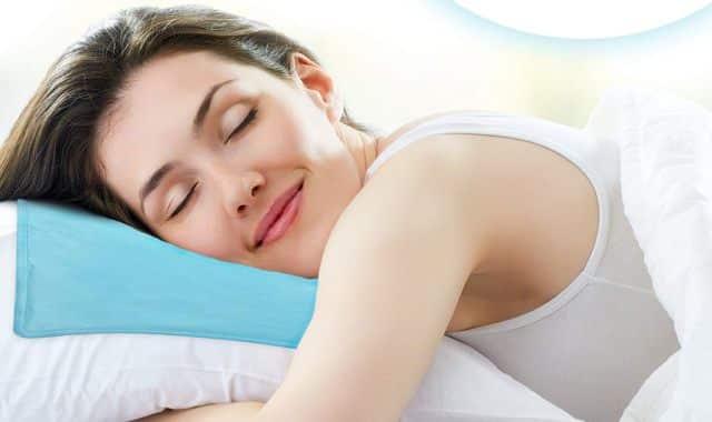3 Ce coussin réfrigérant vous permettra de passer de bonne nuit pendant la canicule. Vous allez l'adorer