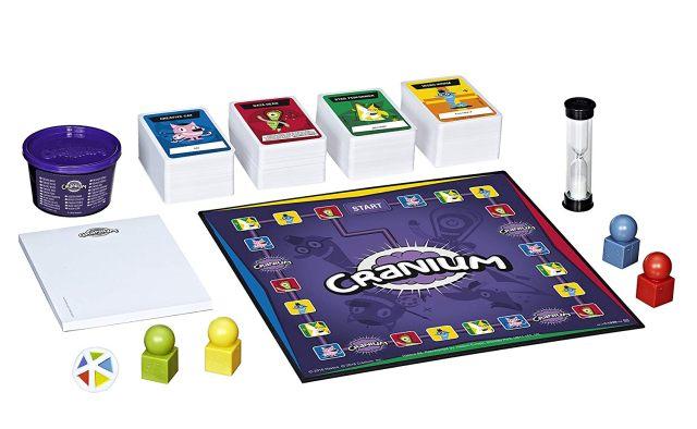 4 Le jeu Cranium est un plaisir scandaleux qui permet aux joueurs de montrer leurs talents. On ne pouvait pas le mettre dans nos jeux de société préférés
