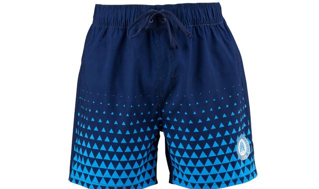8 Cet été, partez vous baigner avec ce short de bain de votre club préféré. Soyez fiers de portez ces couleurs