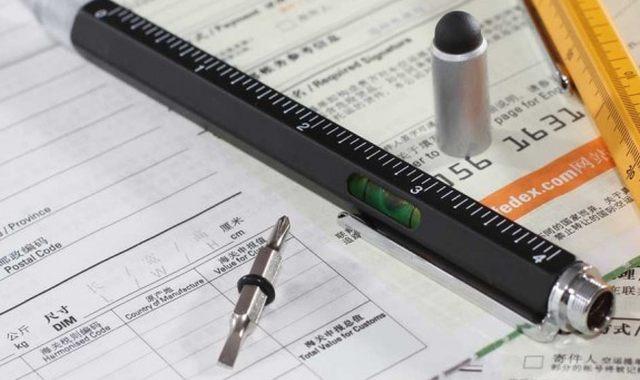 8 Le stylo parfait pour tous les bricoleurs. Ce stylo 6 en 1 vous fera passer pour un super bricoleur
