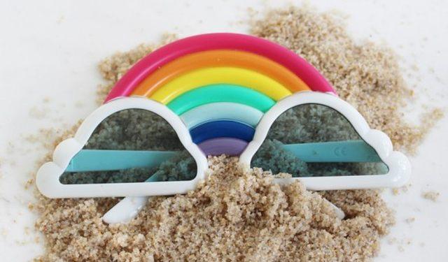 15 Mettez un peu de couleur dans votre été avec ces lunettes de soleil arc en ciel. Elles vont vous donner un look d'enfer