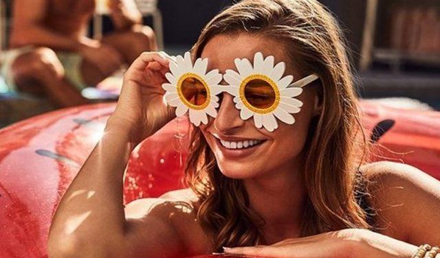 18 Pour avoir un look parfait quand vous partez pique-niquer avec des potes, il vous faut aussi ces lunettes là