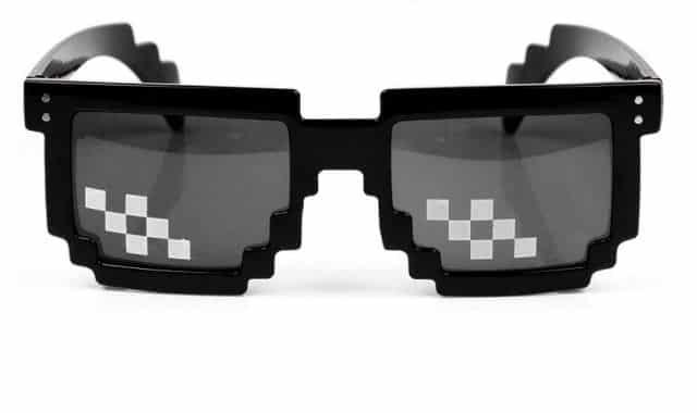 19 Tu es un fou et tu as une vie de Thug Life, MCE a trouvé les lunettes qu'il te faut pour cet été