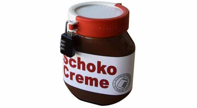 7 Protège ton pote de Nutella de tes collocs ou de tes frères et sœurs. Comme ça il ne disparaîtra plus comme par magie