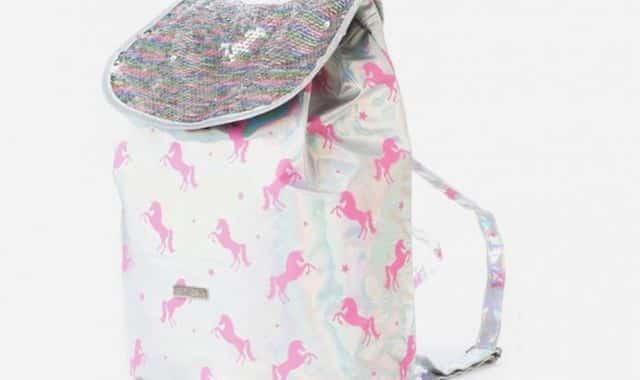 16 Pour sortir, pour aller au sport ou aussi aller en cours, ce sac licorne mettra du bonheur dans votre journée d'étudiante