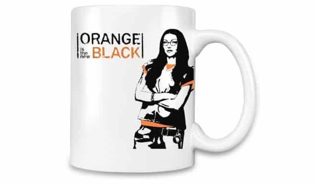 16 Ta collègue de bureau part en congé maternité ou change de boulot Offre lui ce joli mug Orange is the New Black