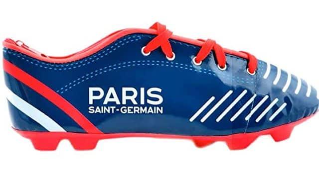 3 Les fans du PSG ont aussi droit à une trousse originale aux couleurs de leur club de foot préféré