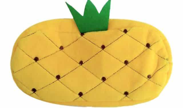 9 Mettez un peu de couleur dans vos fournitures scolaires avec cette trousse ananas
