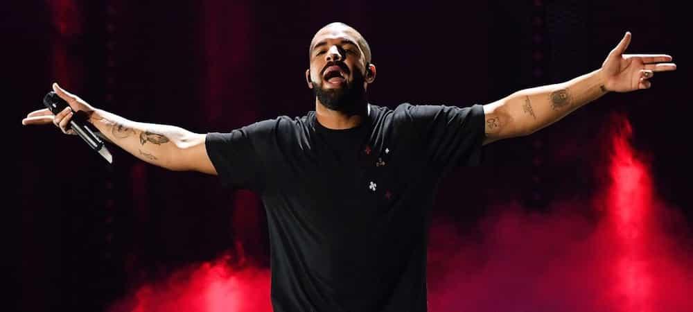 """Drake numéro 1 aux Etats-Unis avec son 9ème album """"Care Package"""" !"""