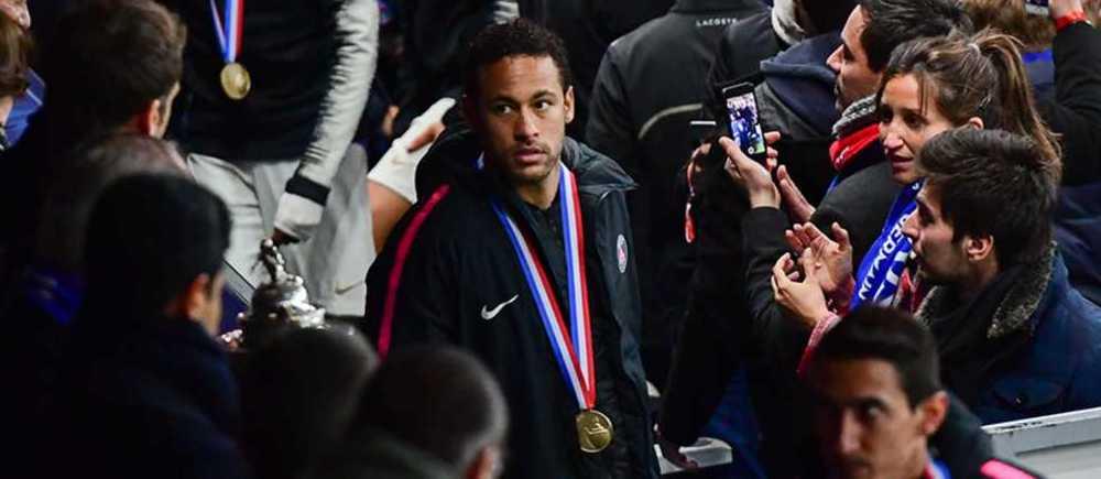 Neymar: le supporter qu'il a giflé porte plainte !