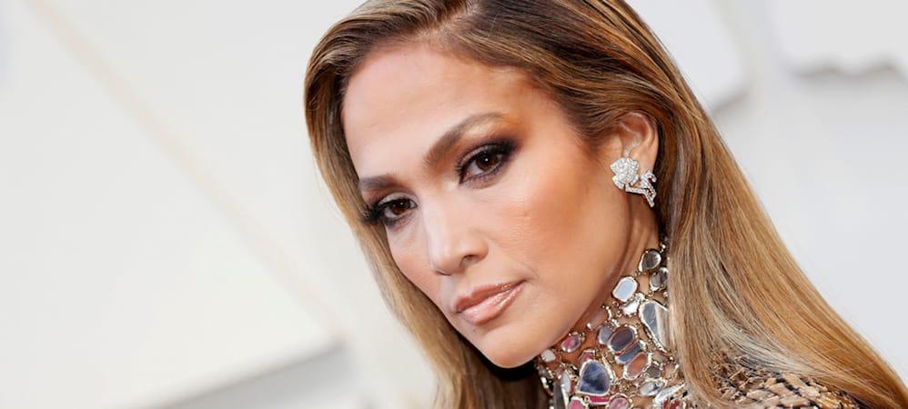 Jennifer Lopez en vacances: elle dévoile son corps de rêve à 50 ans ! (PHOTO)