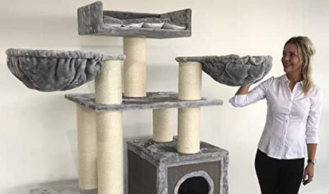 1 Un modèle XXL tout gris que ton chat va adorer. Il ne trainera plus dans ta chambre ou sur ton lit mais dans son domaine à lui