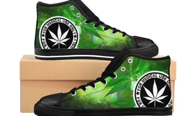 34 Et si vous osiez cette paire de sneakers weed cannabis pour la rentrée. Un peu de nouveauté n'a jamais fait de mal à personne