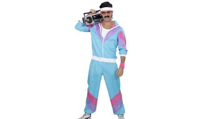 16 Tu es fan des années 80 ? Ce déguisement va déclencher des fous rires toutes la soirée Halloween