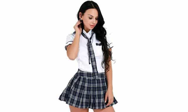 9 Pour Halloween, vous avez aussi le droit à être sexy. Cette tenue d'écolière fera un effet fou auprès de vos potes