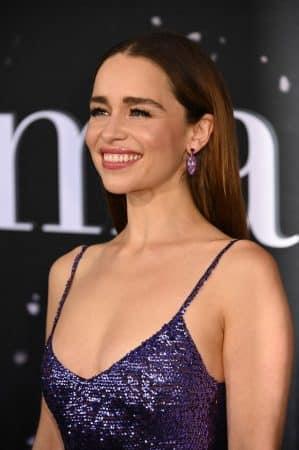 Emilia Clarke (Game of Thrones) radieuse à l'avant-première de Last Christmas !