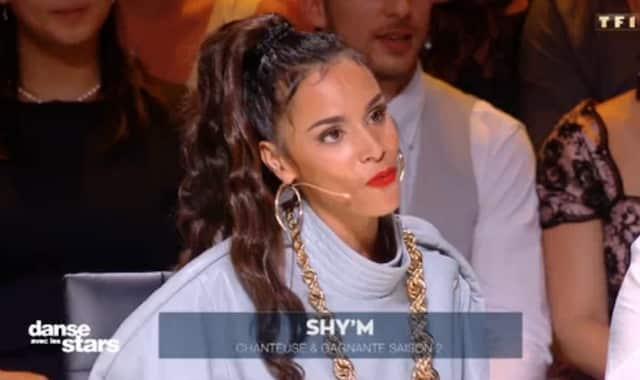 Shy'm: combinaison cuir et bijoux bling bling, son look street dans Danse avec les Stars 2019 !
