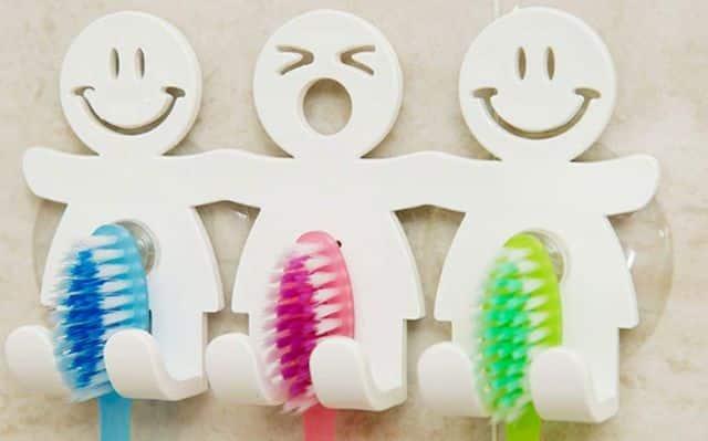 14 Offrez un peu de déco dans la salle de bain avec ces Support de Brosse à Dents originaux et drôles