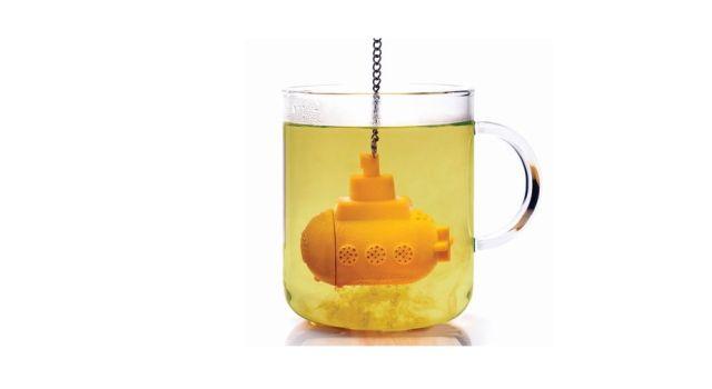 3 Le thé c'est un câlin en tasse. Et cette boule à thé à toute sa place sous le sapin pour papa, maman ou aussi mamie