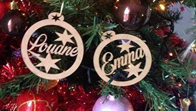 4 Vous connaissez un couple comme dans un gars une fille Offrez leur ces boules de Noël personnalisables avec leurs prénoms