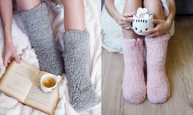 Des chaussettes cocooning en moumoute car elle a toujours des petits glaçons à la place des pieds2