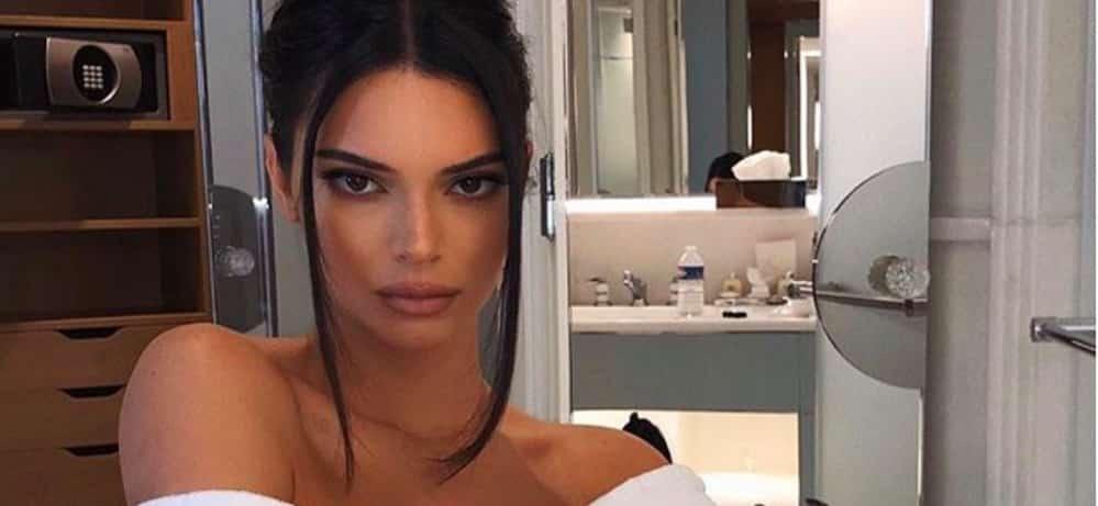 Kendall Jenner- sperme de morue et pénis de taureau Elle retrouve son ex Harry Styles lors d'un diner répugnant...-11122019--