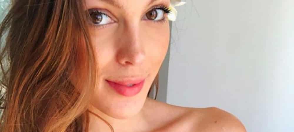 Iris Mittenaere splendide pour la Paris Fashion Week: les fans valident !