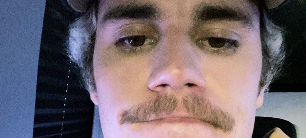 Justin Bieber rajeuni: il rase sa fameuse moustache ! (PHOTO)