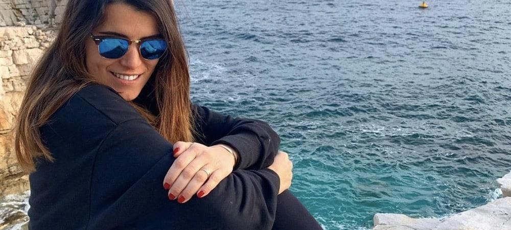 Karine Ferri à dos de chameau: elle se fait lyncher par les internautes !