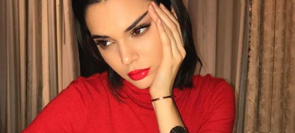 Kendall Jenner superbe: elle défile pour Tom Ford ! (VIDEO)