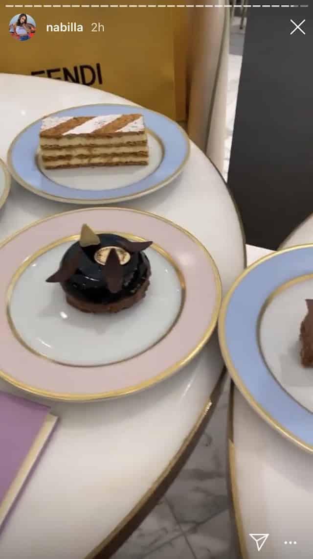 Nabilla craque pour des pâtisseries bien françaises !