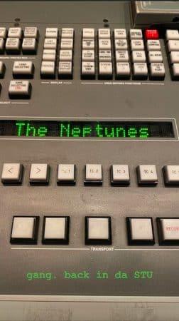 """Rihanna bientôt de retour avec """"R9"""": elle travaille avec The Neptunes !"""