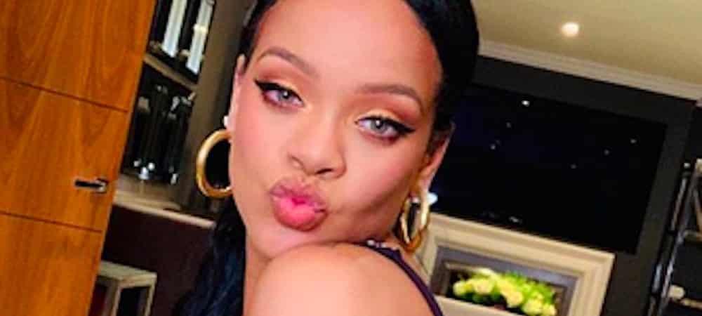 Rihanna ose le rouge à lèvres vert sur Instagram ! (PHOTO)