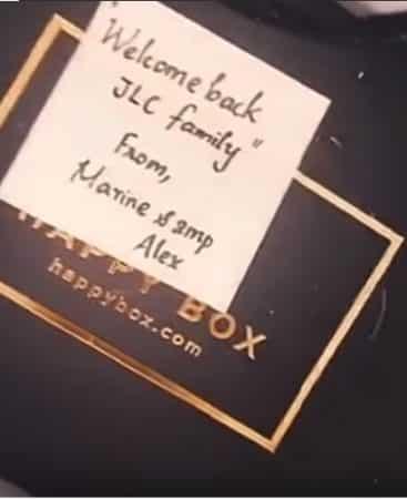 Jazz (JLC Family) heureuse: elle retrouve ses amis à Dubai !