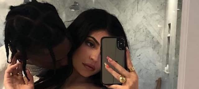 Kylie Jenner s'affiche avec les dernieres baskets de Travis Scott !