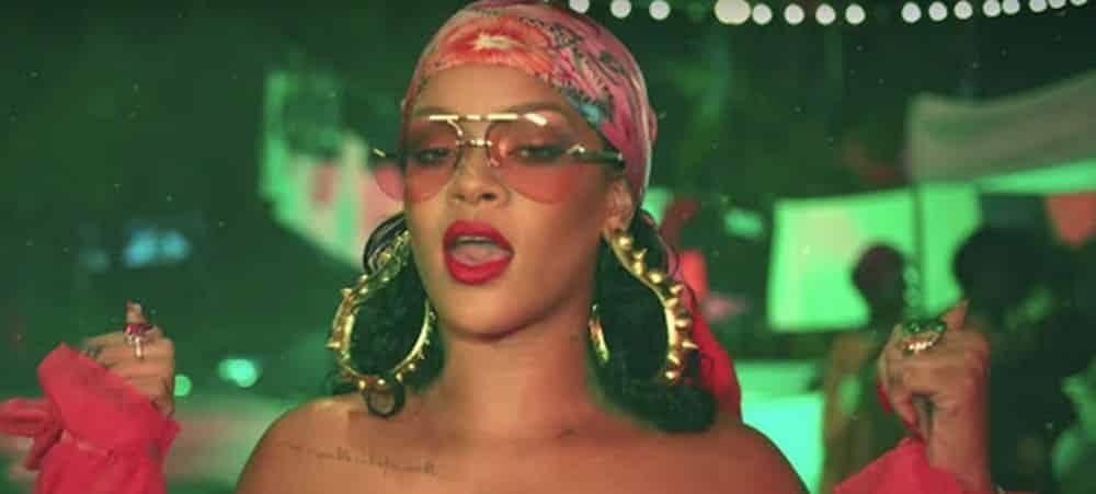 Rihanna standing ovation apres son discours sur l'unite entre les communautes