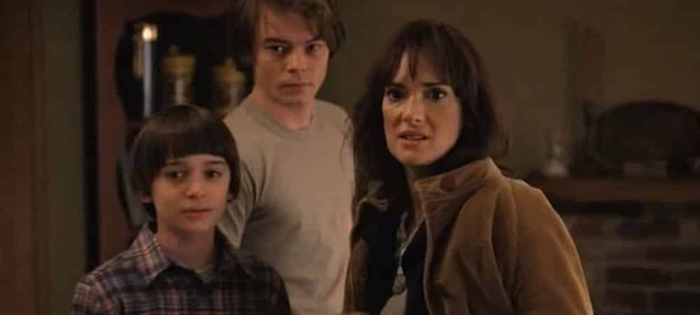 Stranger Things: Charlie Heaton et Winona Ryder sont très proches !